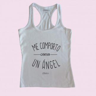 Camiseta de tirantes blanca Calambur 100% algodón estampada con mensaje humorístico (frase chistosa) me comporto como un ángel