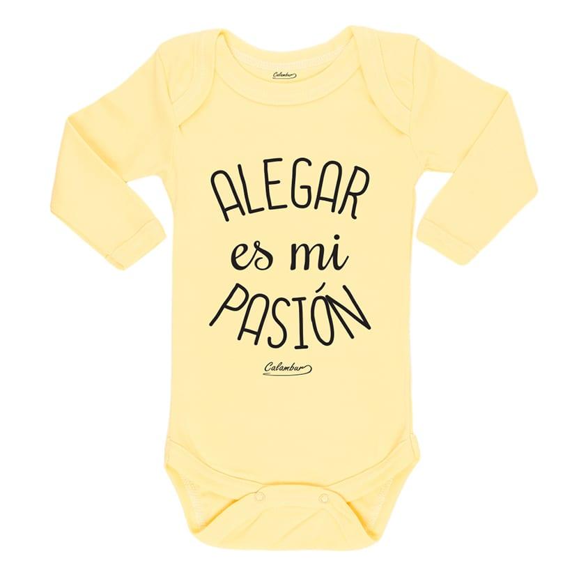 Body amarillo para bebe 100% algodón, hecho en Chile, diseñado por Calambur alegar es mi pasión
