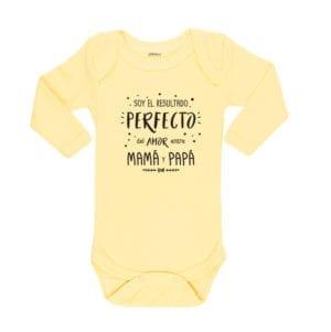 Body Pilucho Bebé Calambur 100% algodón diseño soy el resultado perfecto del amor entre mamá y papá amarillo